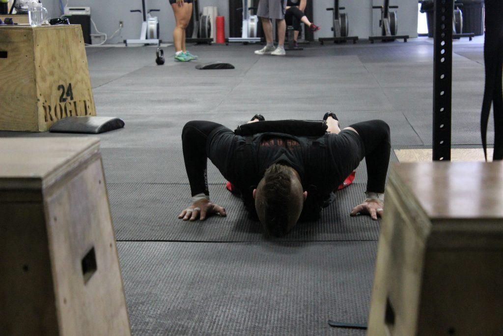 Crossfit weight vest push ups